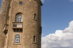 Best Cotswold Tours showing Guests Broadway Tower