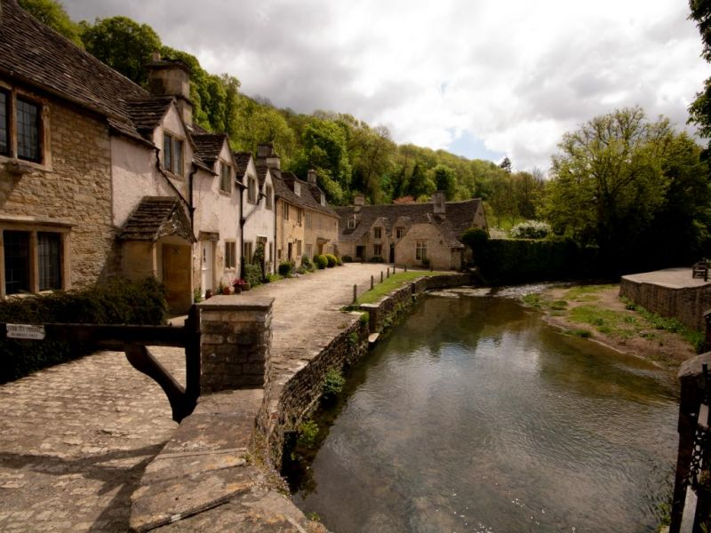 Best-Cotswold-Tours-Castle Combe.jpg