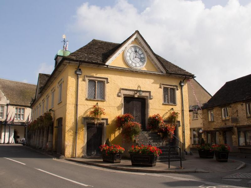 Best-Cotswold-Tours-tetbury-market-hall.jpg
